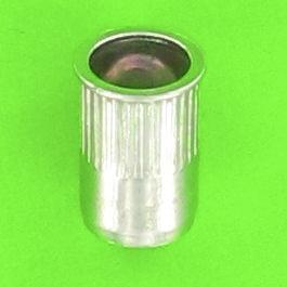 Fusto cilindrico zigrinato